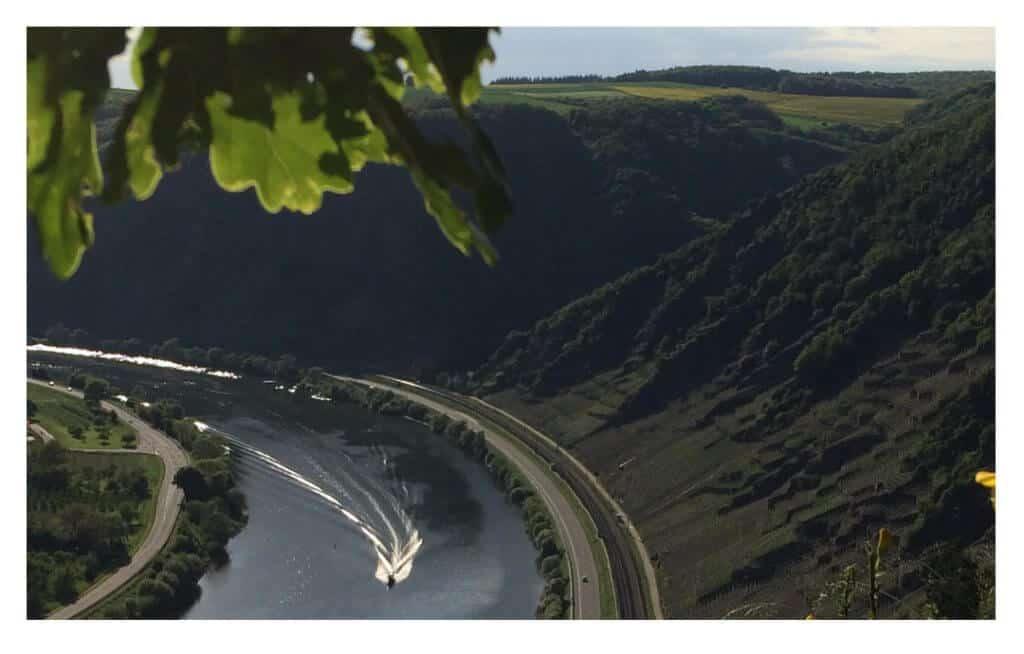 Blumslay (Autobahnbrücke Winningen), Foto: Andreas Hillesheim
