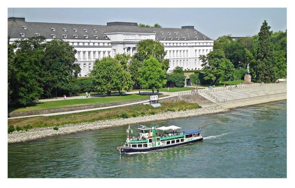 Blick auf das Kurfürstliche Schloss Koblenz, Foto: Monika Freund