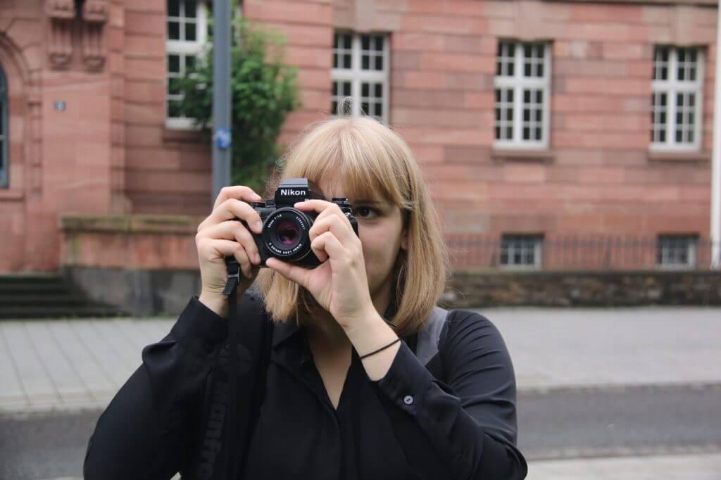 Isabell Hoffmann vor der SGD Nord
