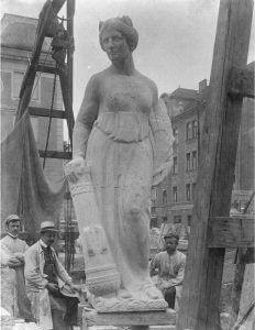 Barbara-Denkmal in Koblenz - damals