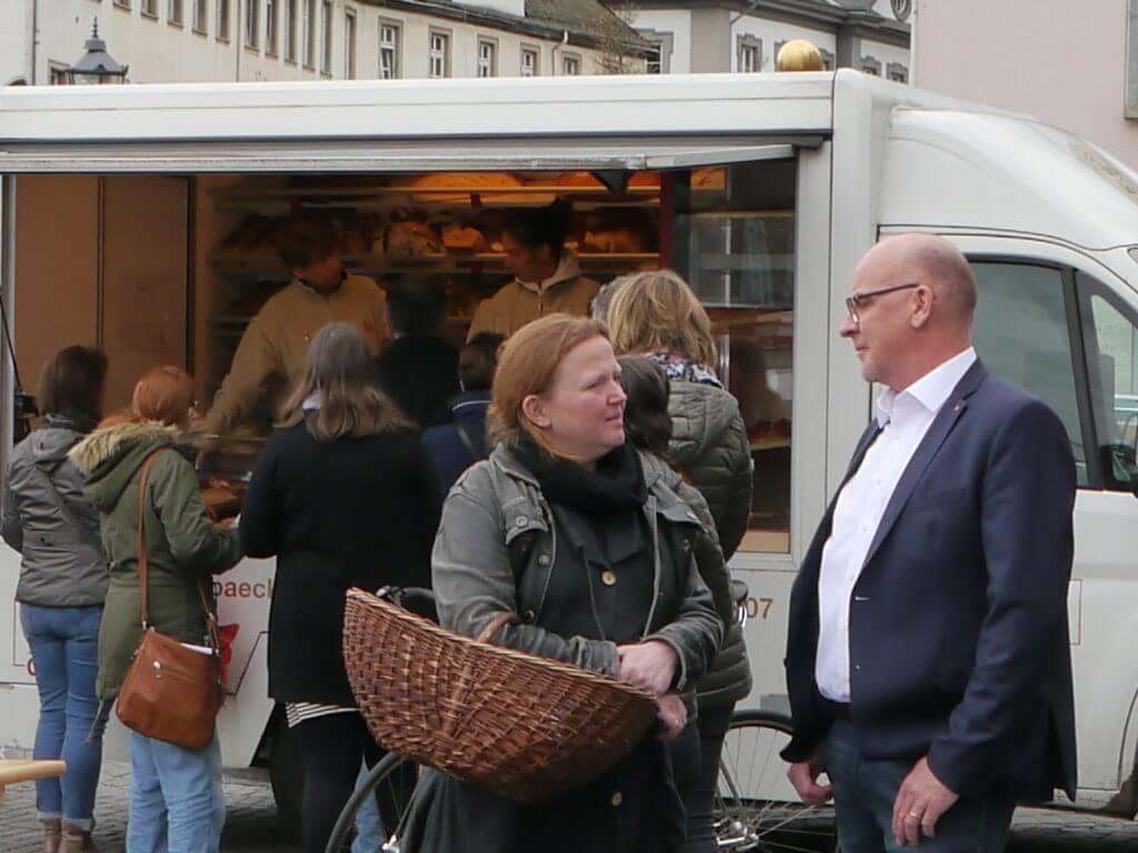 Ehrenbreitstein_ Markt: Anja Bogott und Jörg Junglas