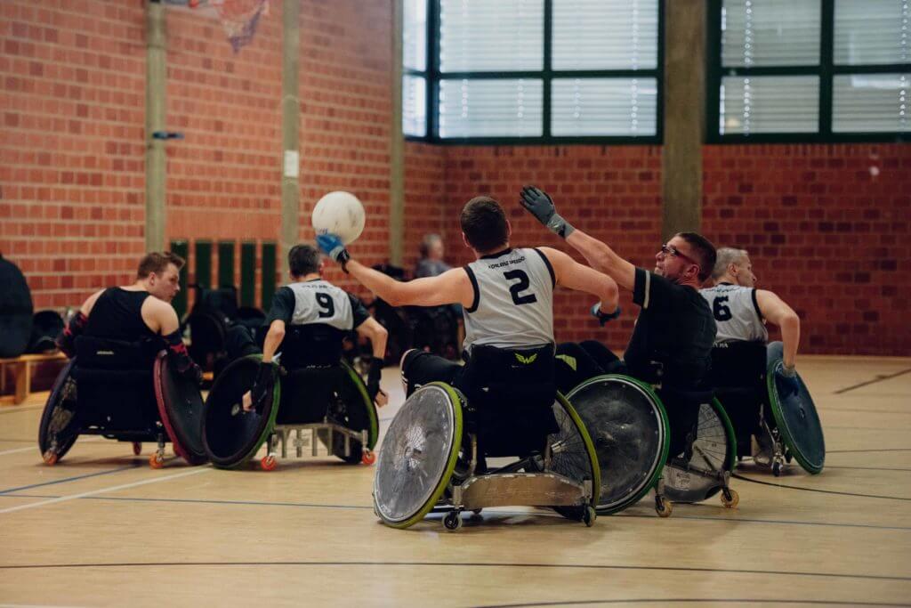 Rollstuhlgemeinschaft_Rollstuhlfahrer beim Sport