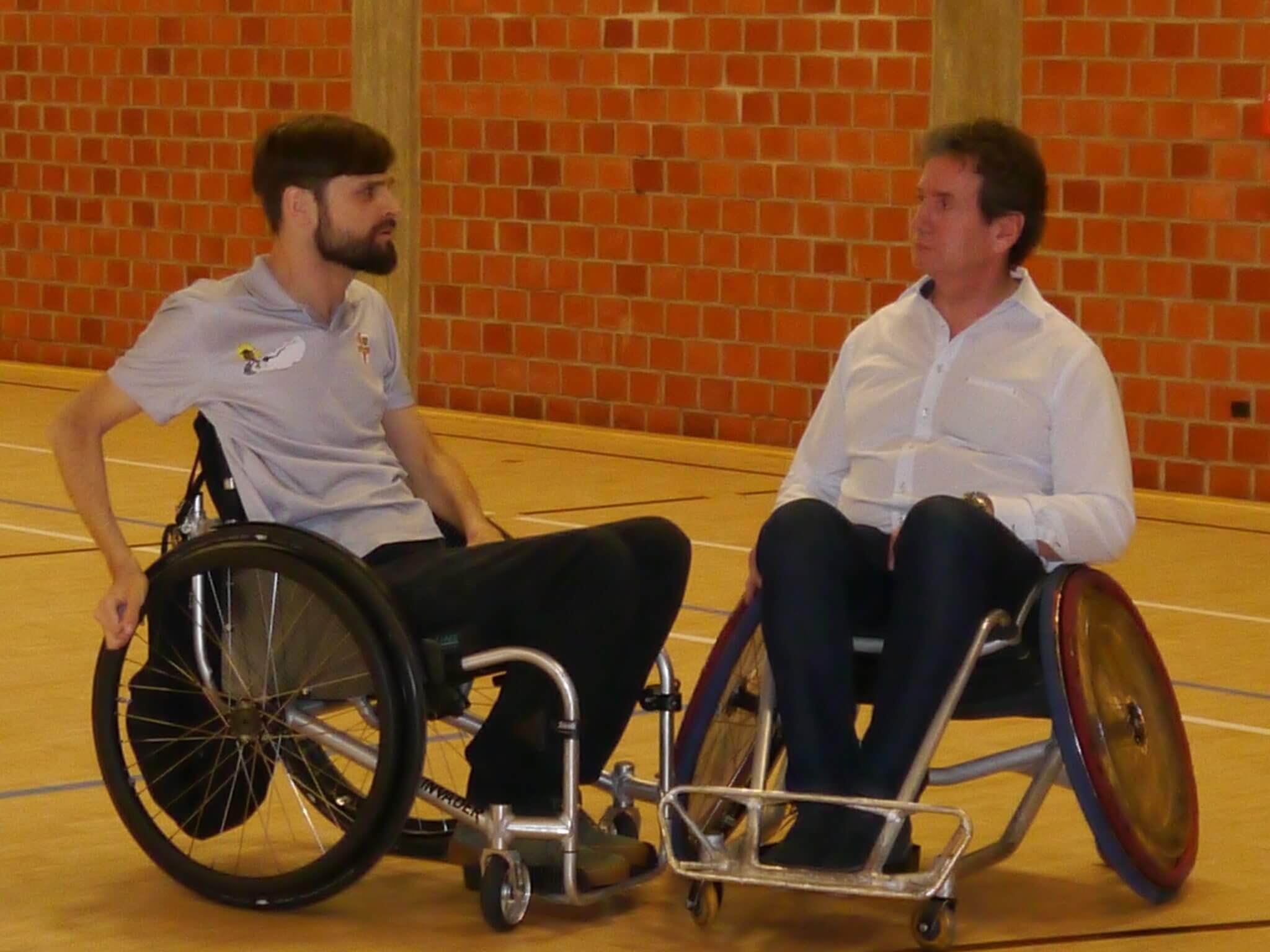 Rollstuhlgemeinschaft_Halle des Marienhofklinikums Koblenz