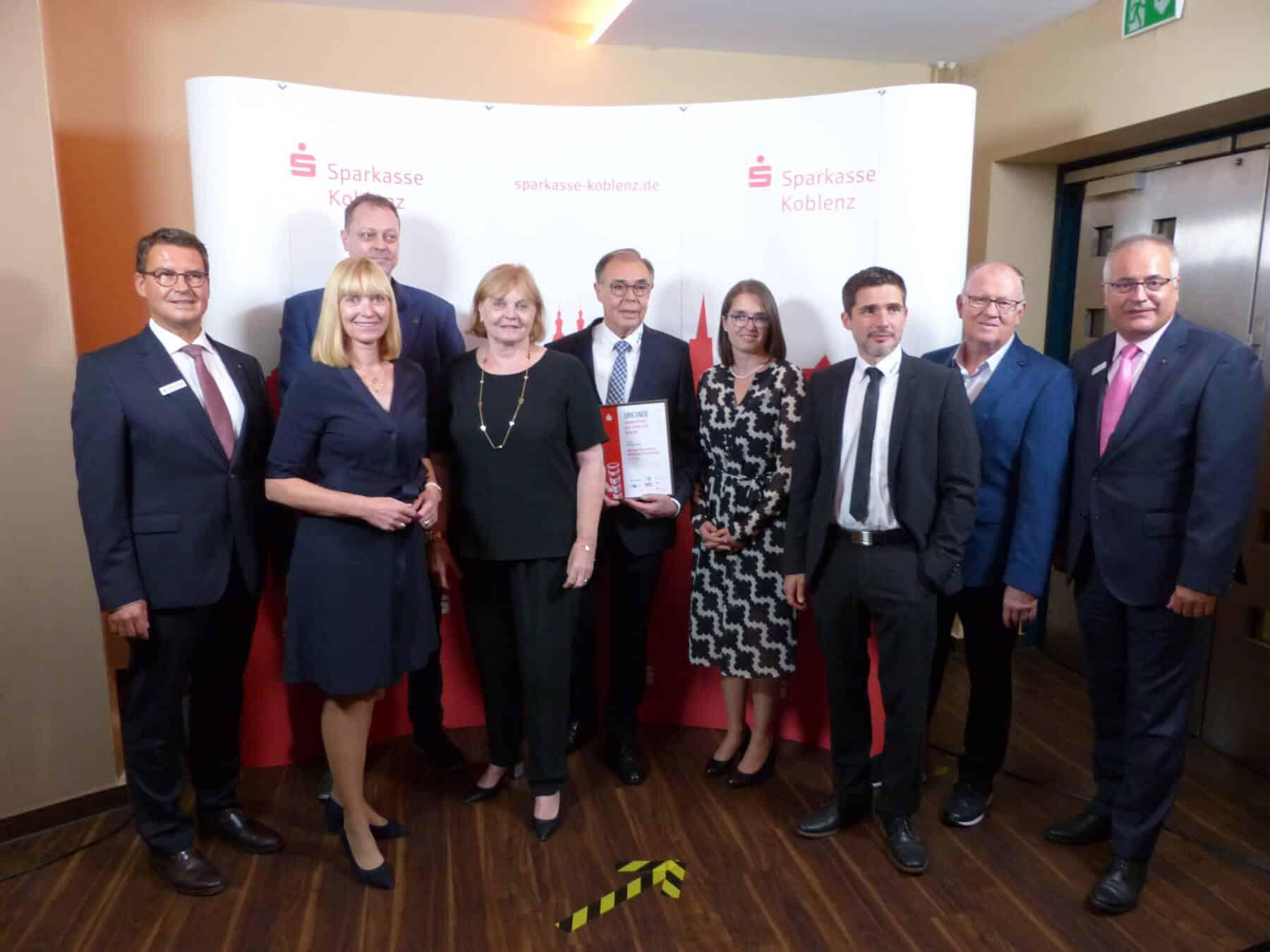 """In der Kategorie """"Lebenswerk"""" wurden Bernd und Michael Szczesny von der Firma EWM AG aus Mündersbach ausgezeichnet."""